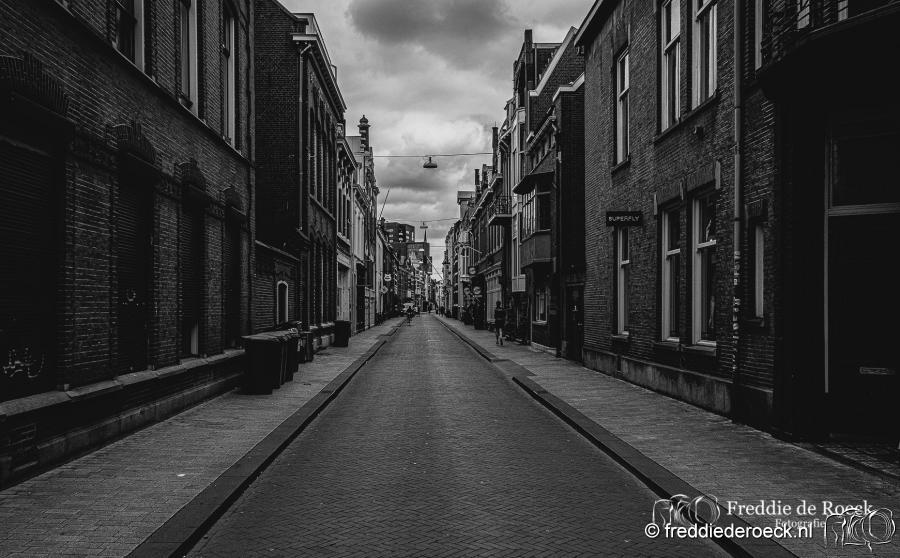 -Nieuwlandstraat-CorronaCrisis-Tilburg-Freddie-de-Roeck-14-april-2020-5