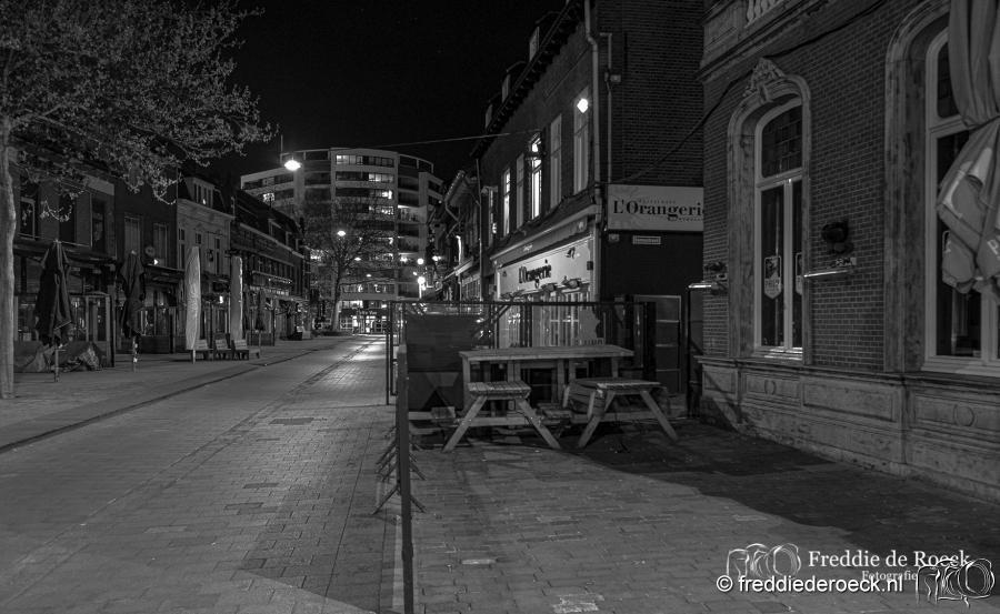 Korte-Heuvel-CorronaCrisis-Tilburg-Freddie-de-Roeck-10-april-2020-1